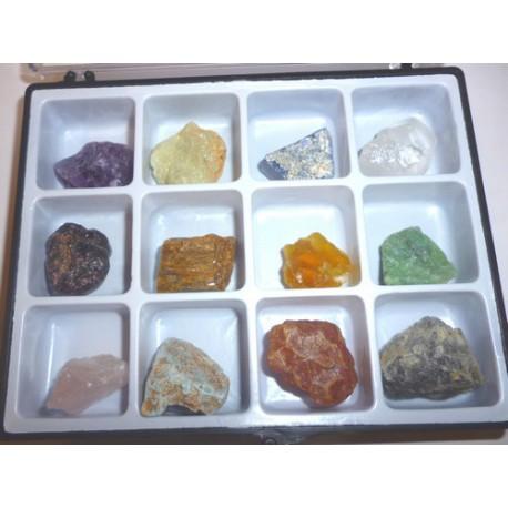 Boite d39echantillon mineralogique de 12 cristaux pierres brut